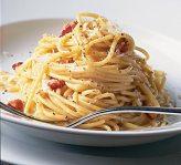 """Articole culinare : Funinginea a fost la început ingredientul secret din """"spaghetele carbonara"""""""